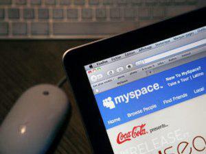 MySpace уволил половину персонала